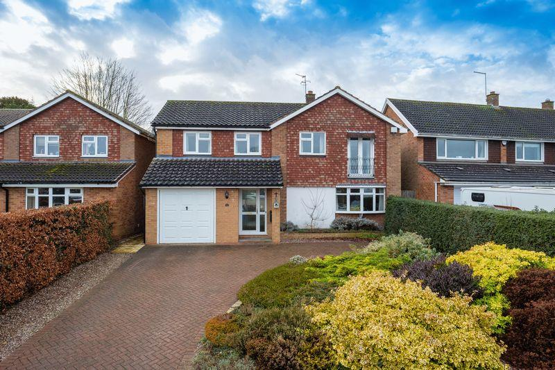 4 Bedrooms Detached House for sale in Crestwood Park, Brewood, Stafford