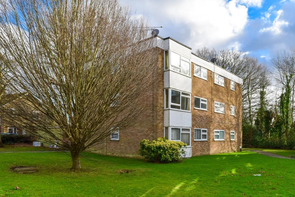 1 Bedroom Flat for sale in Maiden Lane, Langley Green