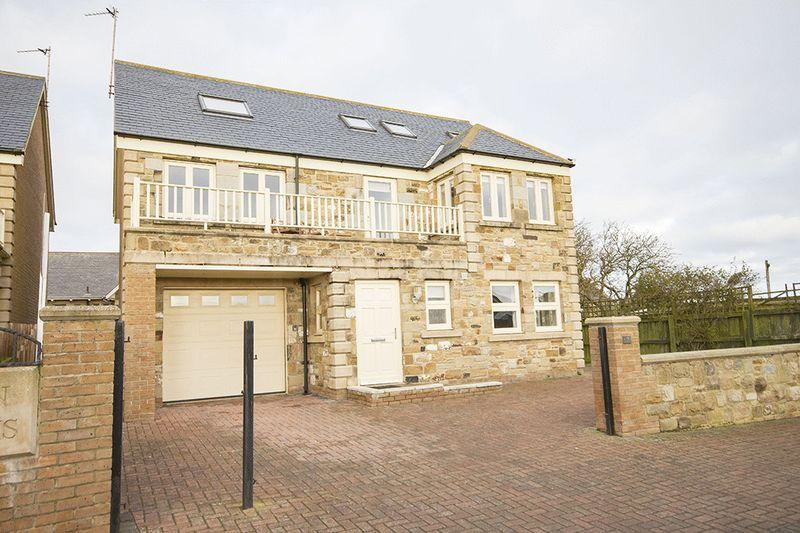 4 Bedrooms Detached House for sale in Twin Palms, South Lane, North Sunderland, Seahouses