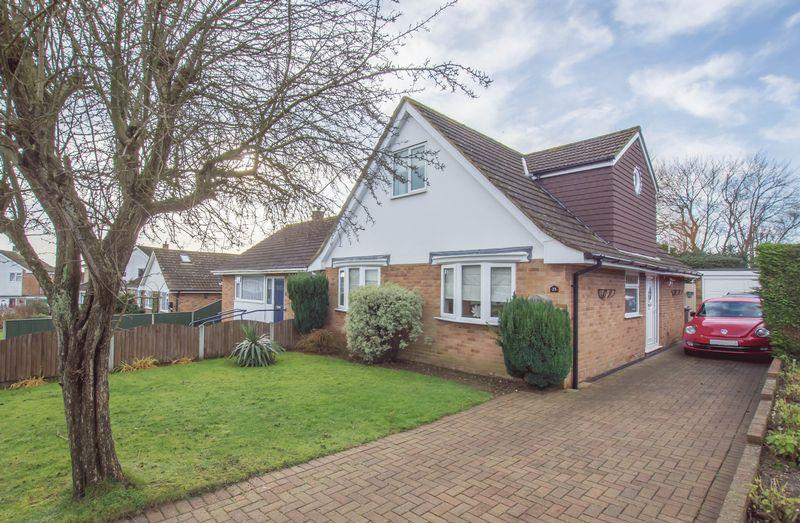 3 Bedrooms Semi Detached Bungalow for sale in St Margaret's At Cliffe