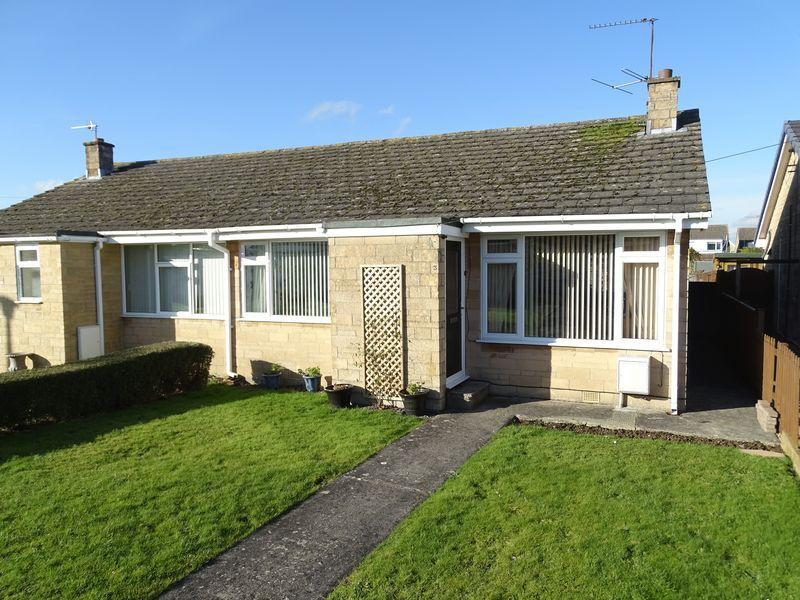 2 Bedrooms Semi Detached Bungalow for sale in Sherwood Avenue, Melksham