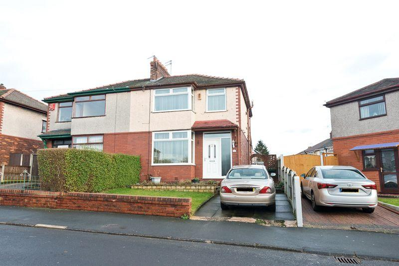3 Bedrooms Semi Detached House for sale in Picton Avenue, Runcorn
