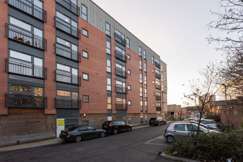 3 Bedrooms Apartment Flat for sale in Wishing Well, Three Bedroom - Two Bathroom, Carriage Grove, Liverpool