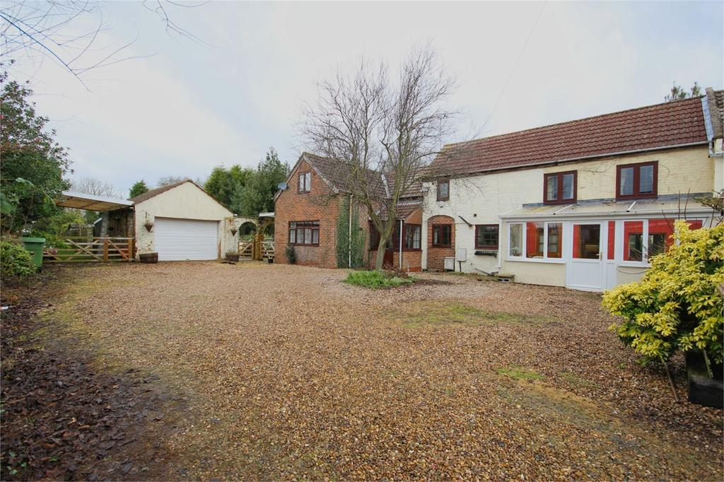 3 Bedrooms Detached House for sale in Clementhorpe Road, Gilberdyke, Brough, HU15