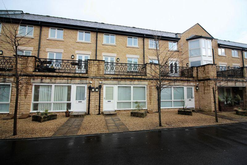 1 Bedroom Ground Flat for sale in Haworth Close,Savile Park, Halifax