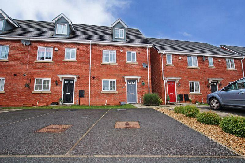 4 Bedrooms Terraced House for sale in Tangmere Avenue, Hopwood, Heywood OL10 2WA