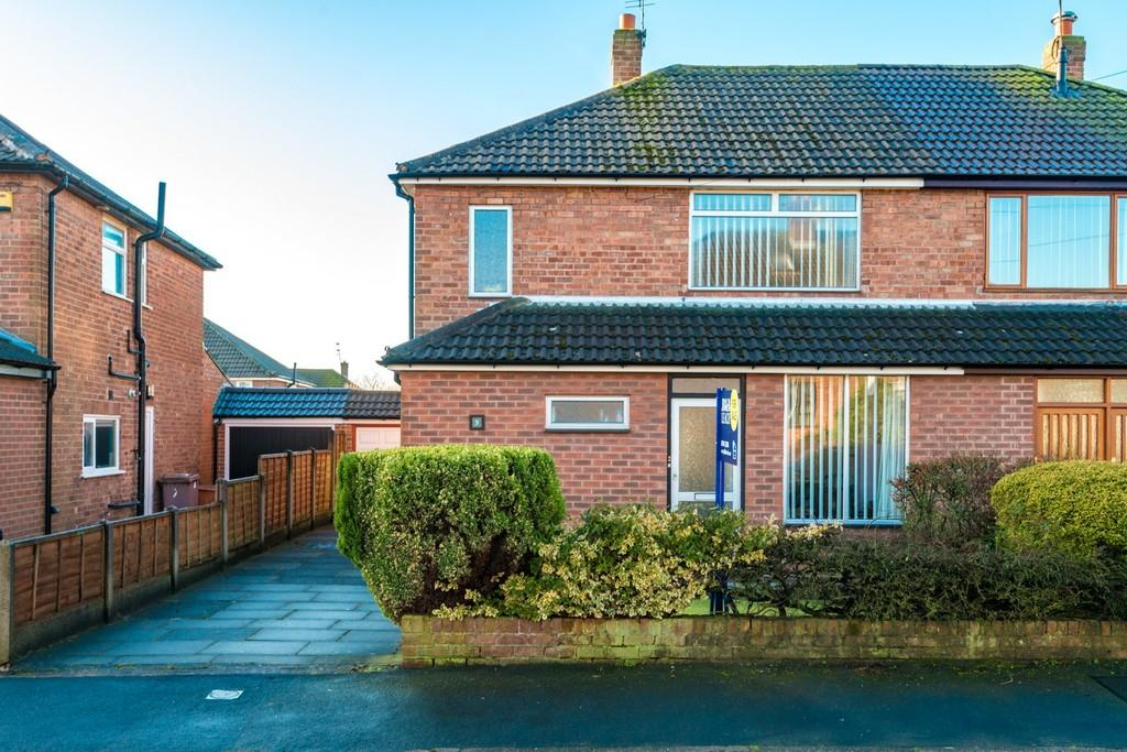 3 Bedrooms Semi Detached House for sale in Fistral Drive, Windle, St. Helens