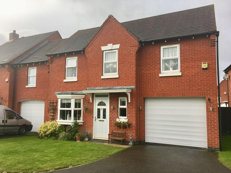 4 Bedrooms Detached House for sale in Buckingham Drive, Church Gresley