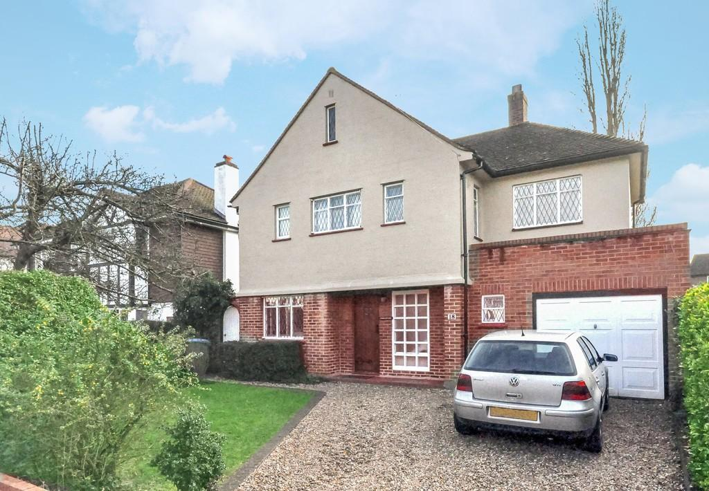 4 Bedrooms Detached House for sale in Oaken Drive