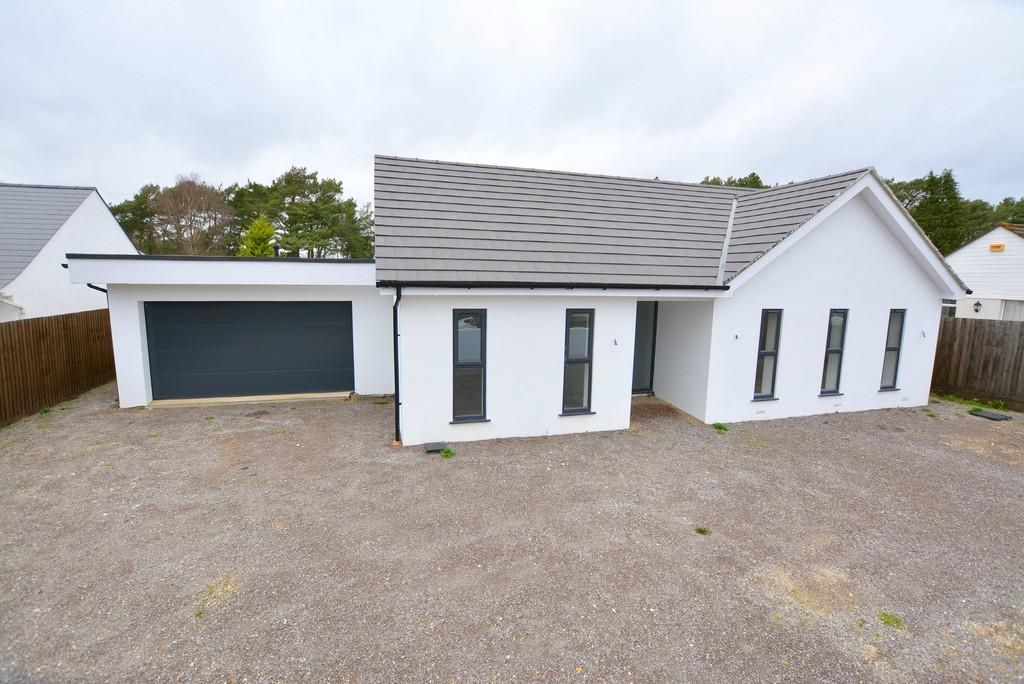 4 Bedrooms Detached Bungalow for sale in Oaks Drive, St. Leonards