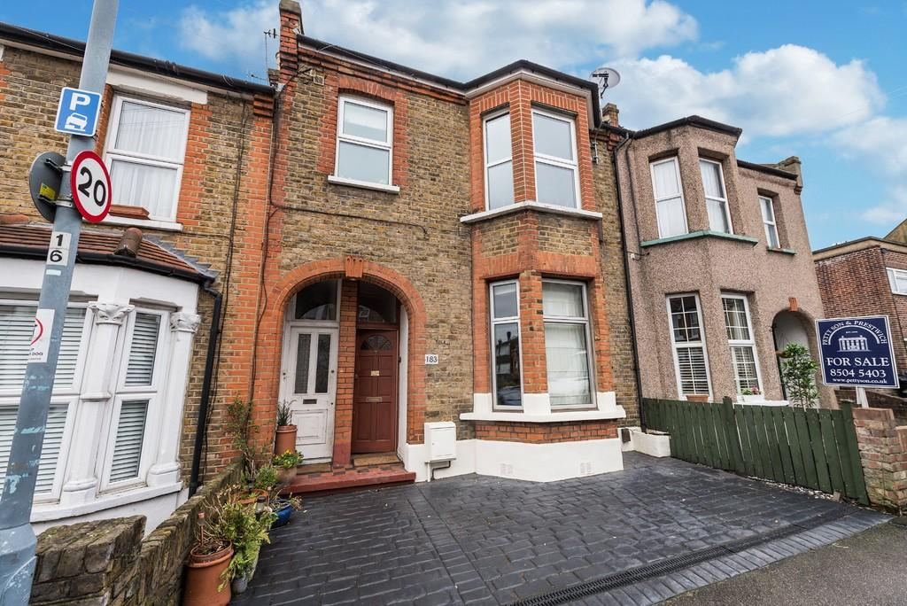 1 Bedroom Apartment Flat for sale in Prospect Road, Woodford Green