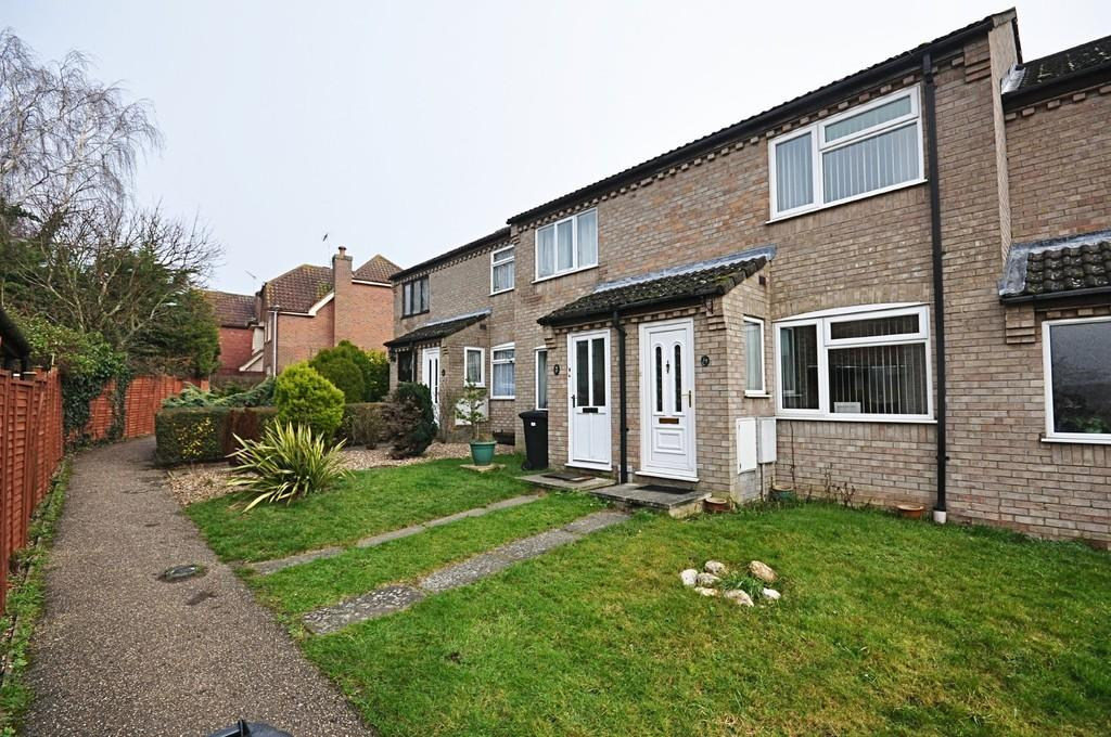2 Bedrooms Terraced House for sale in Gainsborough Avenue, Diss