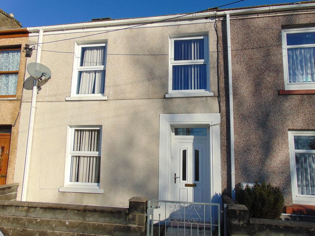 3 Bedrooms Terraced House for sale in Ashburnham Road, Pembrey
