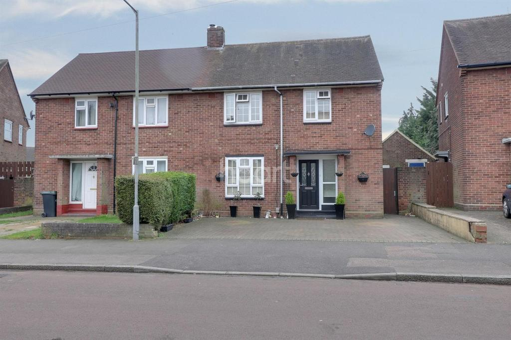 3 Bedrooms Semi Detached House for sale in Just The Right Note In St Annes