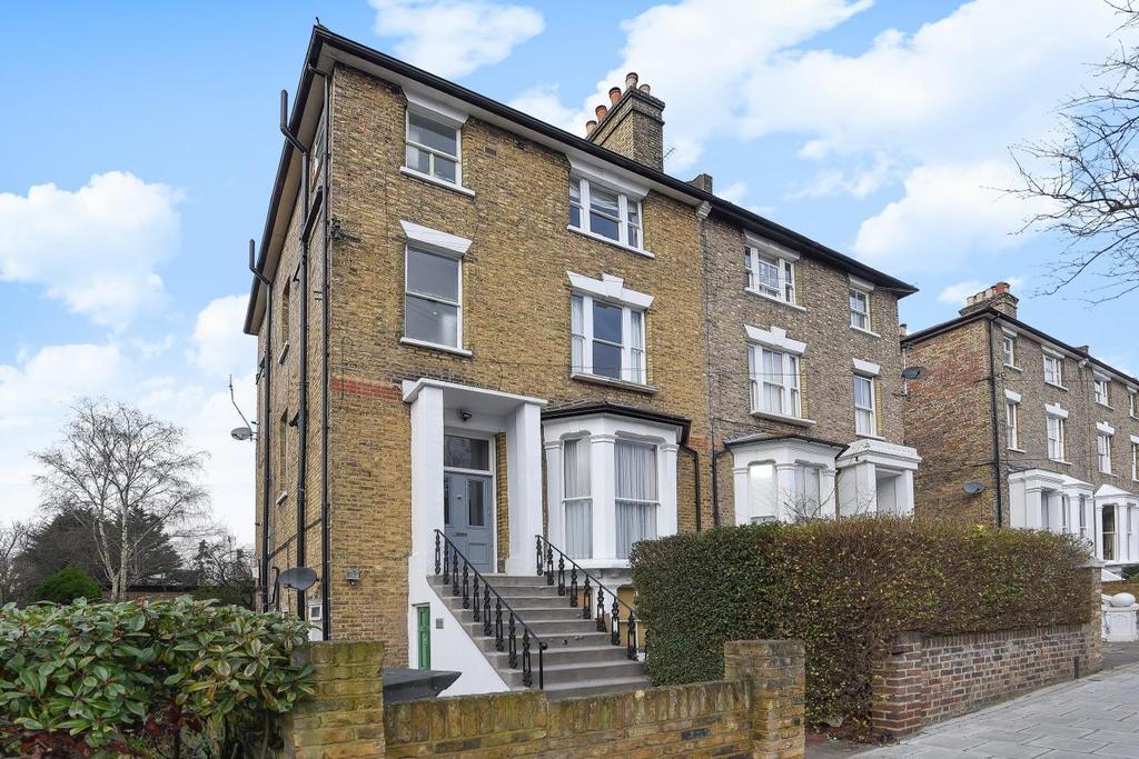 1 Bedroom Flat for sale in Wimbledon Park Road, Southfields