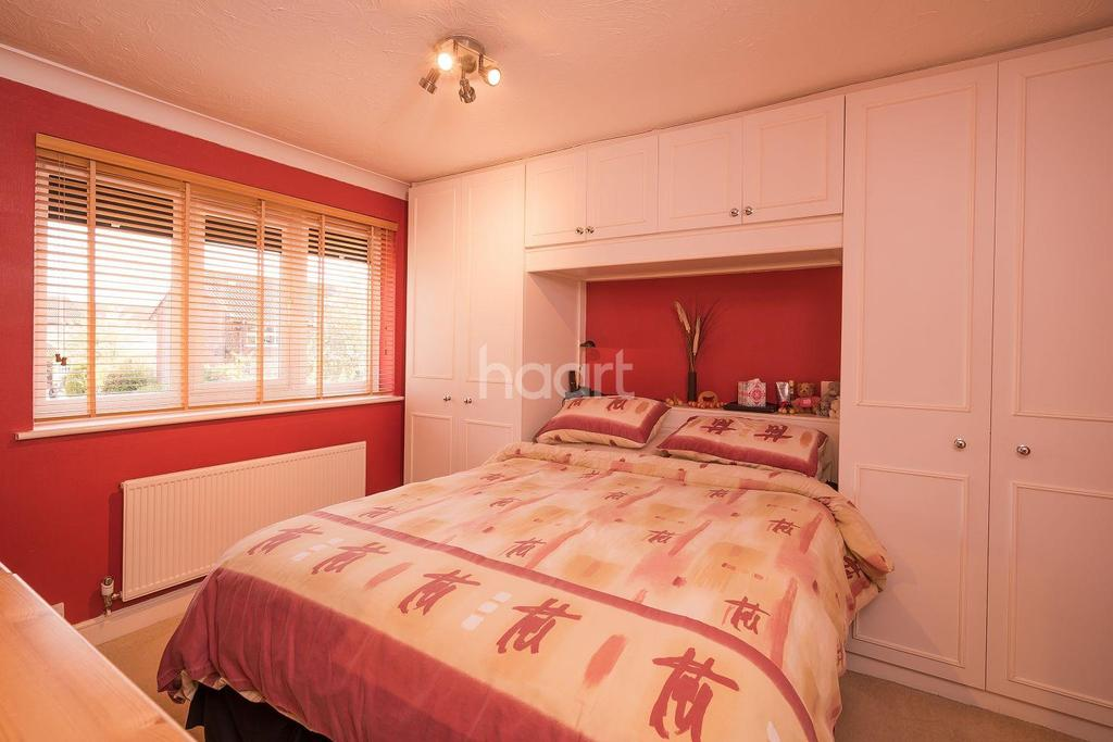 3 Bedrooms Semi Detached House for sale in The Campions, Borehamwood