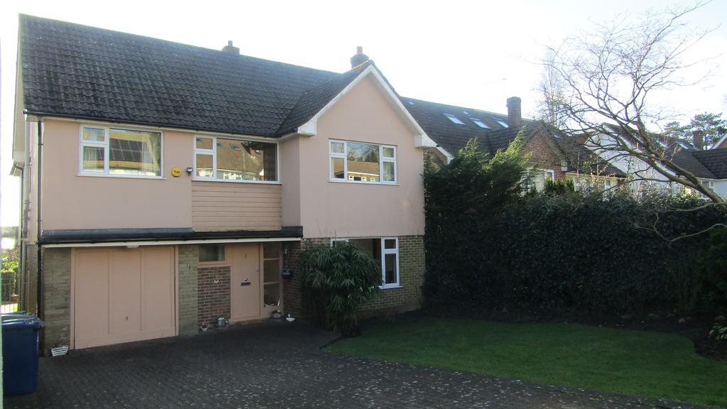 4 Bedrooms Detached House for sale in Manorside, High Barnet, Herts EN5