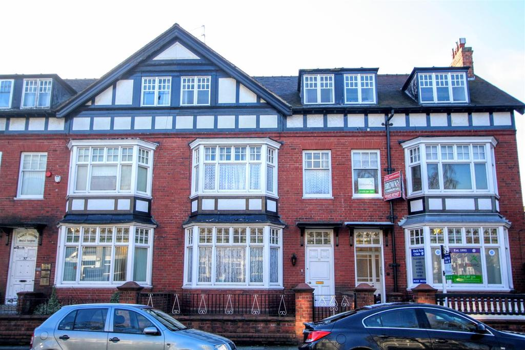 6 Bedrooms Town House for sale in Woodland Road, Darlington