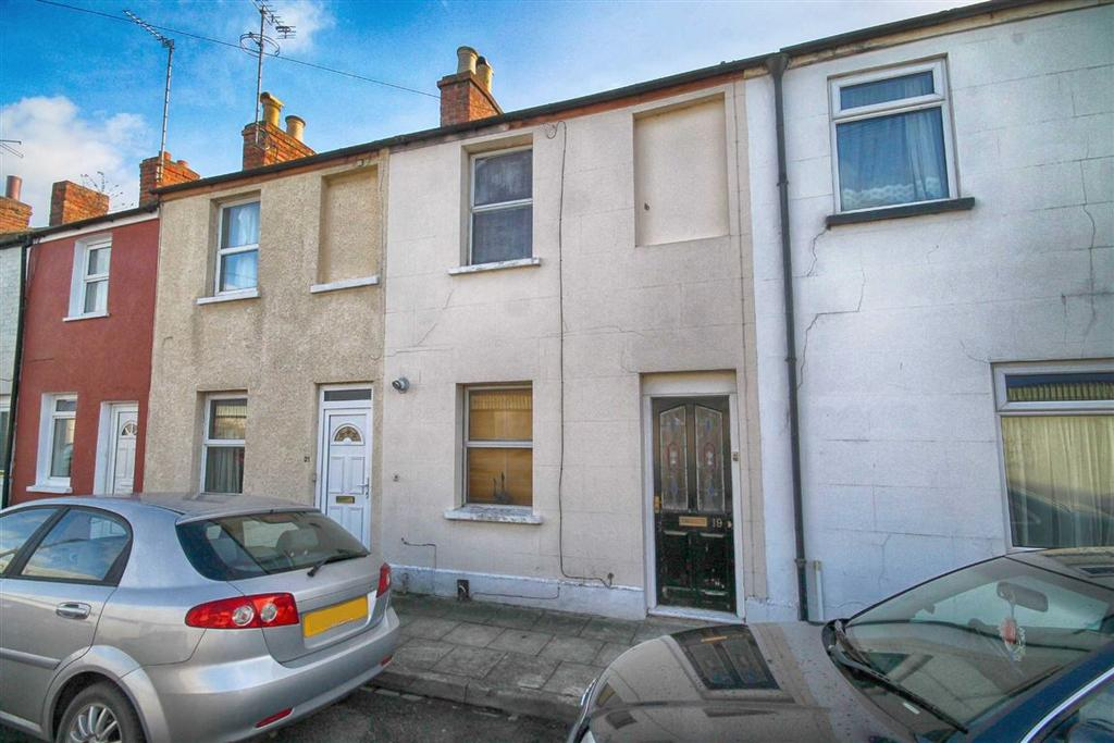 2 Bedrooms Terraced House for sale in Russell Place, Cheltenham, GL51