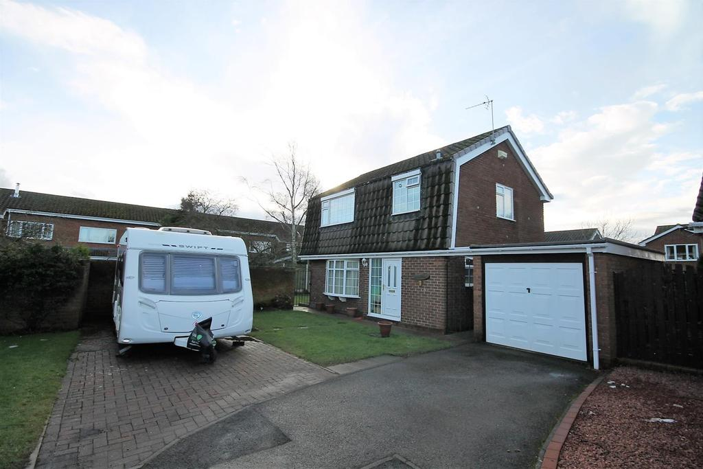 3 Bedrooms Detached House for sale in Garth Close, Carlton, Stockton-On-Tees