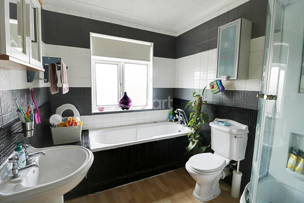 3 Bedrooms Semi Detached House for sale in Windsor Road, Newark