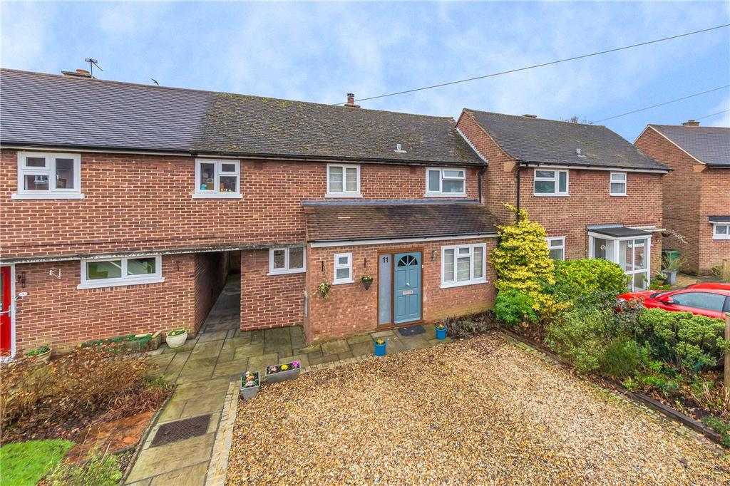3 Bedrooms Terraced House for sale in Woollam Crescent, St. Albans, Hertfordshire
