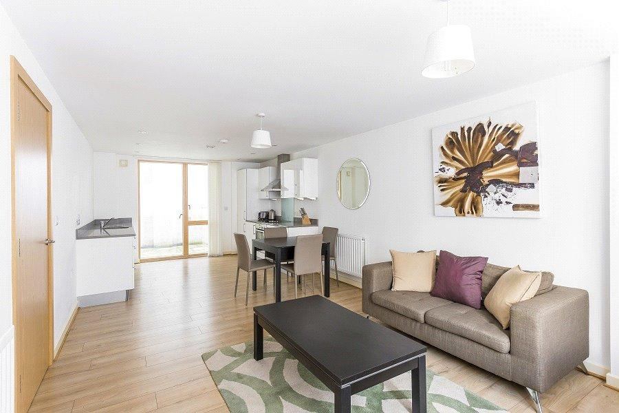 1 Bedroom Flat for sale in Compton House, Sussex Way, Holloway, London, N7