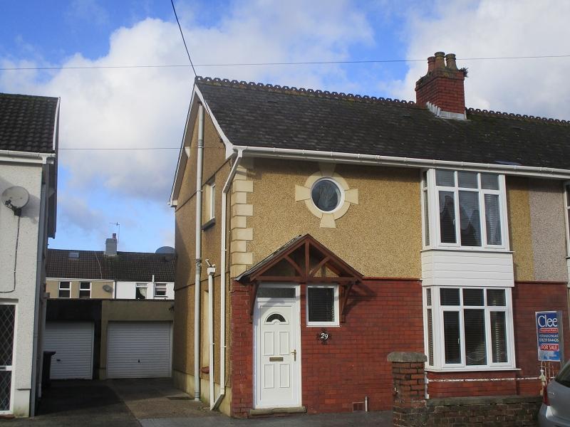 3 Bedrooms Semi Detached House for sale in Glanrhyd Road, Ystradgynlais, Swansea.