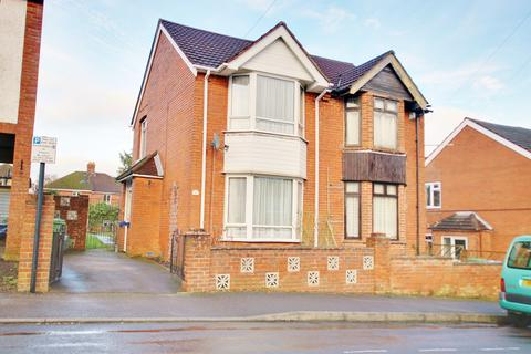 3 bedroom semi-detached house for sale - Kitchener Road, Portswood, Hampshire