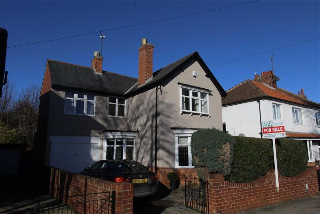 4 Bedrooms Detached House for sale in Eighth Avenue, Bridlington, YO15