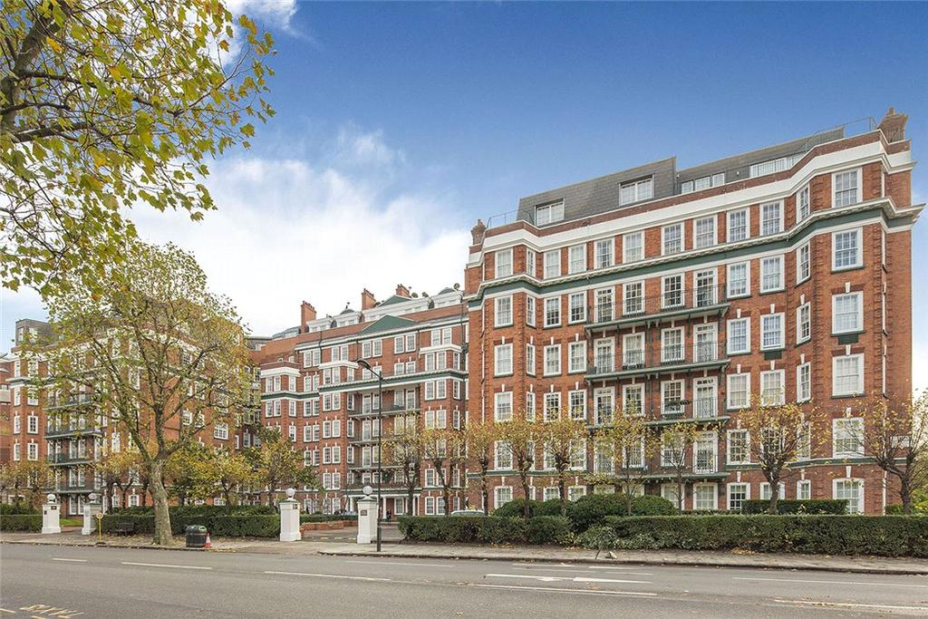 Flat for sale in St. Johns Wood Court, St. Johns Wood Road, London, NW8
