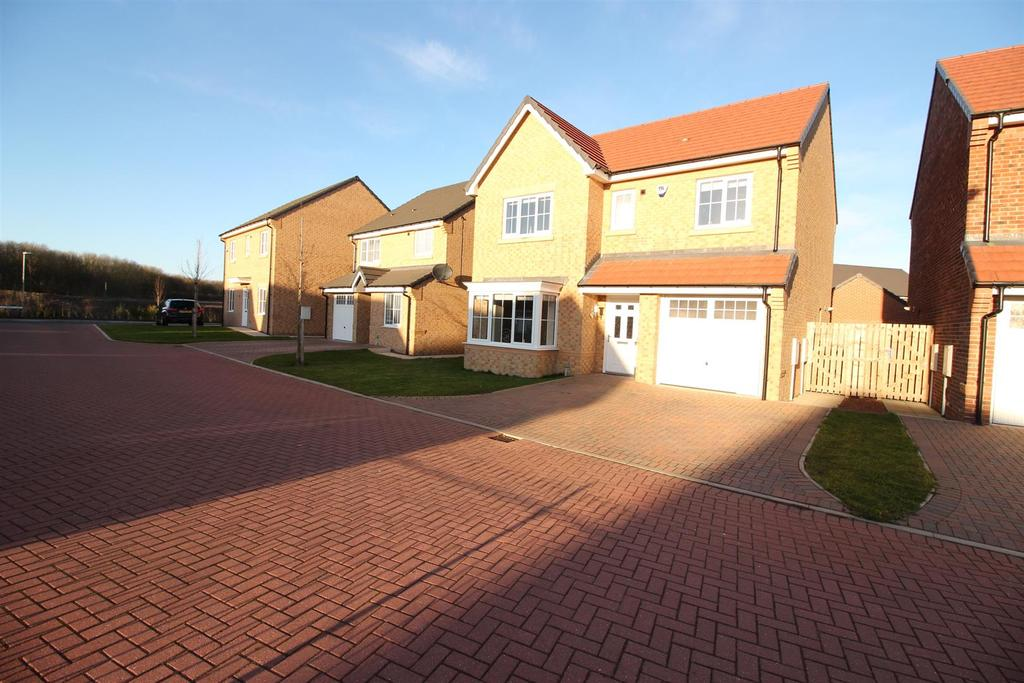 4 Bedrooms House for sale in Palladian Walk, Seaton Delaval, Whitley Bay