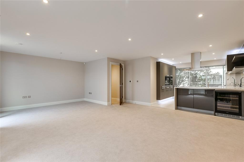 3 Bedrooms Flat for sale in Mortlake High Street, East Sheen, London