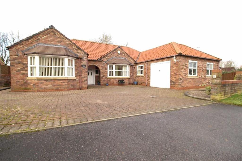3 Bedrooms Detached Bungalow for sale in Main Street, Kirkburn, East Yorkshire