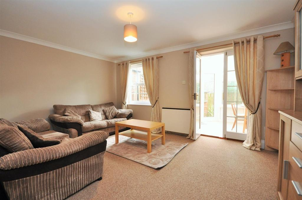 1 Bedroom Apartment Flat for sale in Canons Court, Bishopthorpe, York, YO23 2TF
