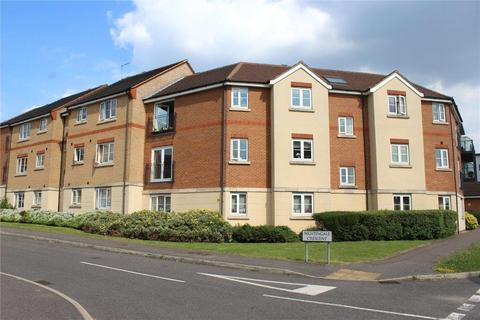 2 bedroom apartment to rent - 18 Jenner House, Nightingale Crescent, Harold Wood, Romford, RM3 0GF