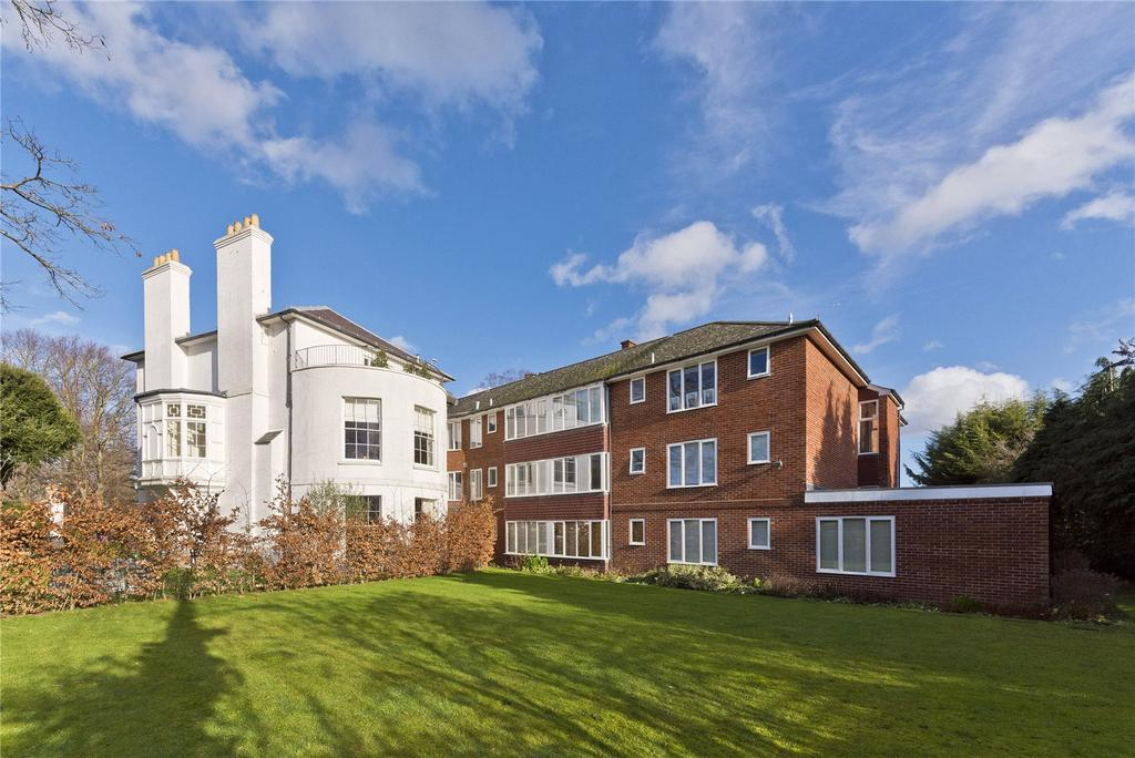 1 Bedroom Flat for sale in The Newlands, Weston Green Road, Thames Ditton, Surrey, KT7