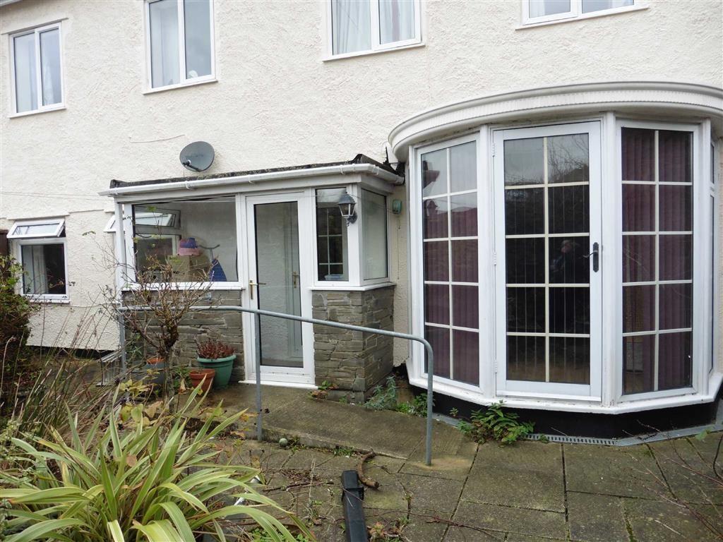 2 Bedrooms Apartment Flat for rent in Rookham Hall, Yelverton, Devon