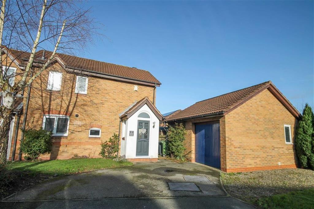 2 Bedrooms Semi Detached House for sale in Mere Bank, Davenham
