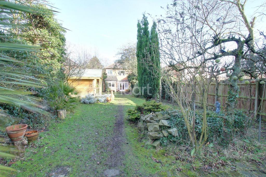 3 Bedrooms Semi Detached House for sale in Welford Road, Knighton, Leicester