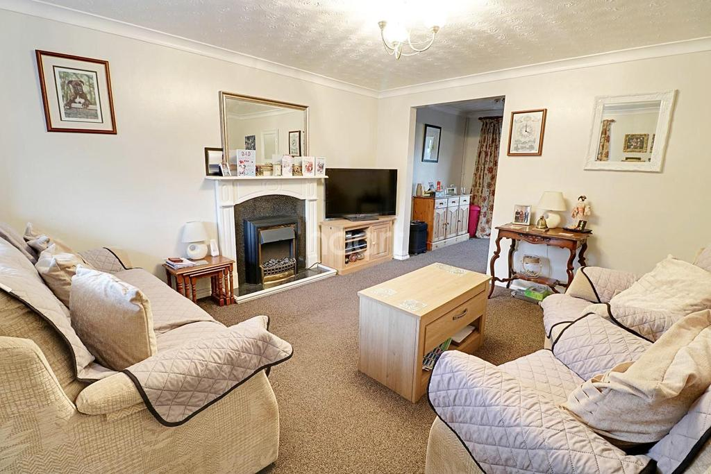 3 Bedrooms Semi Detached House for sale in Bramblewood Close, Gonerby Hill Foot, Grantham