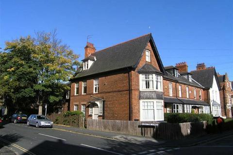 5 bedroom end of terrace house for sale - Gladstone Street, Hessle