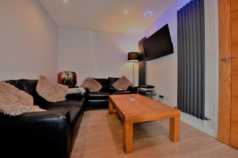 3 bedroom house to rent - Howden Place, Leeds