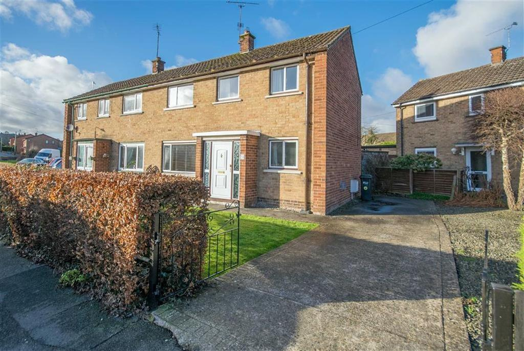 2 Bedrooms Semi Detached House for sale in Queens Park, Mold