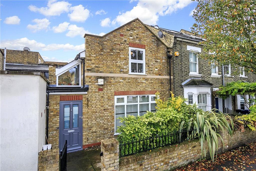 2 Bedrooms Terraced House for sale in Reynolds Road, Chiswick, London, W4