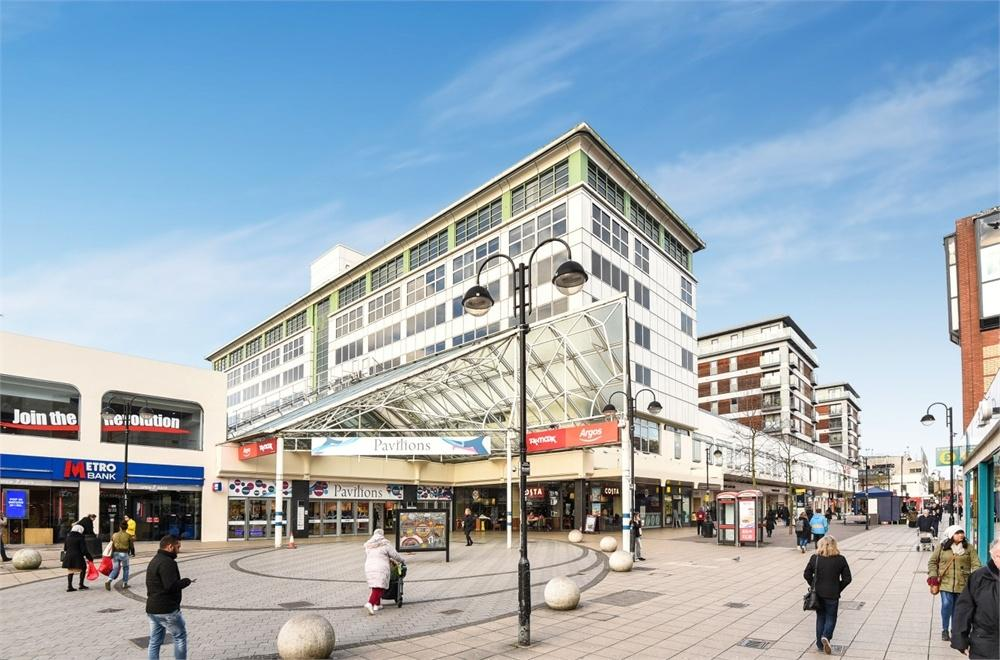 2 Bedrooms Flat for sale in Middlesex House, 4 Mercer Walk, Uxbridge, Greater London
