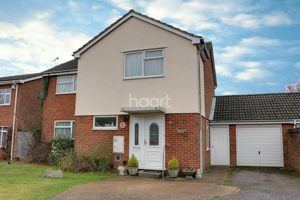 4 Bedrooms Detached House for sale in The Rise, Hempstead