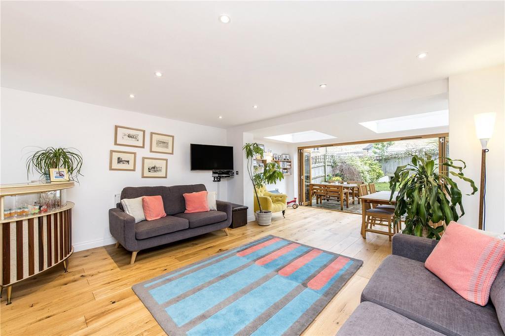 5 Bedrooms House for sale in Herbert Mews, London, SW2