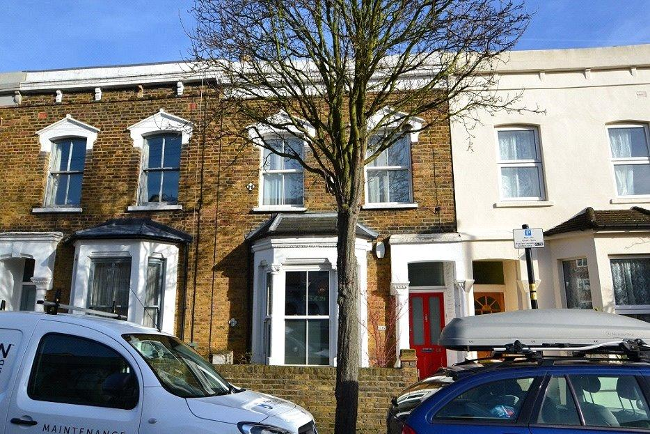 3 Bedrooms Terraced House for sale in Kiver Road, Archway, London, N19