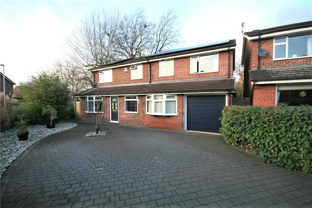 7 Bedrooms Detached House for sale in Blakelow Close, Middlewich, Cheshire, CW10